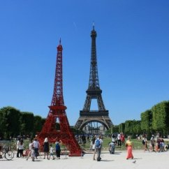 Fermob Bistro Chair Dining Table And Sets A Red Eiffel Tower? - Paris Perfect