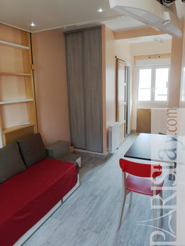 Student apartment for rent in paris france Arc de triomphe