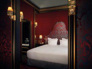 комната отеля souquet в париже