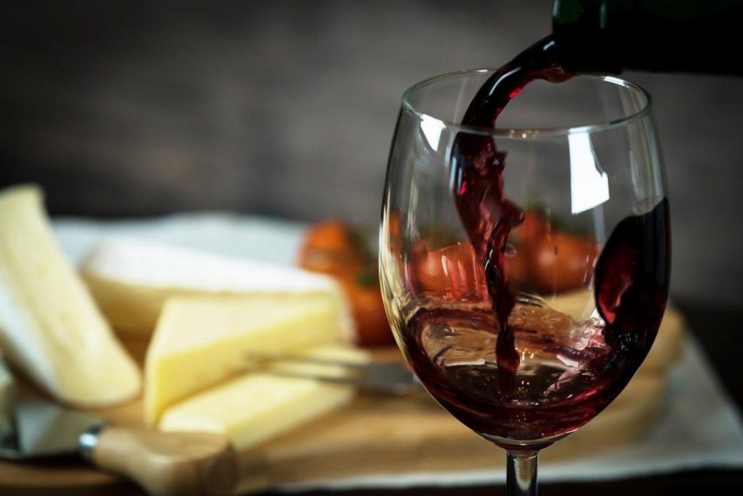 выбрать вино в Париже