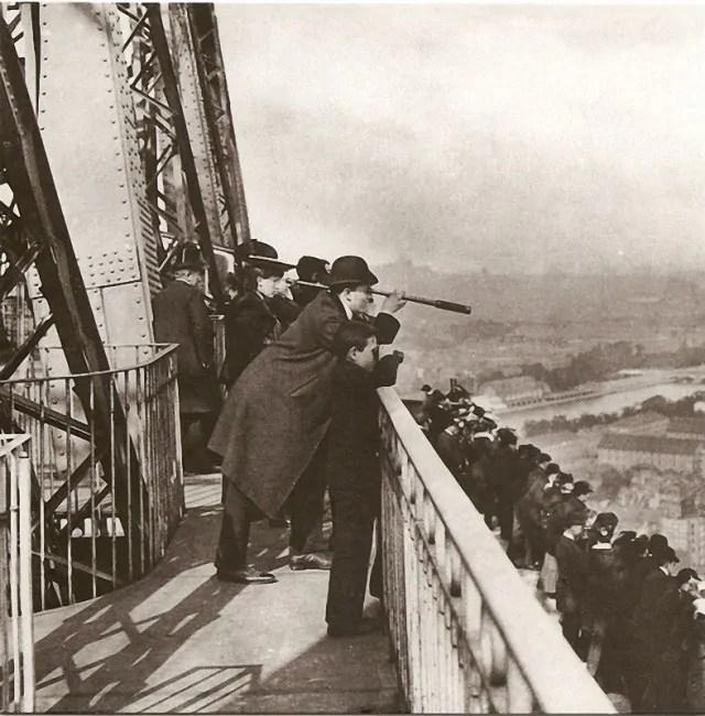 Paris-avant-Tour-Eiffel-1889