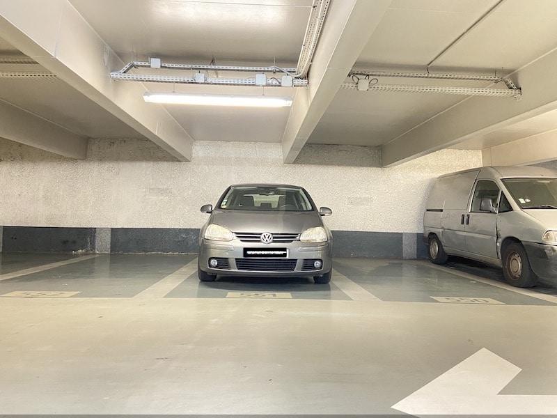 A vendre : Parking Indigo Croix des Petits Champs Parkagence