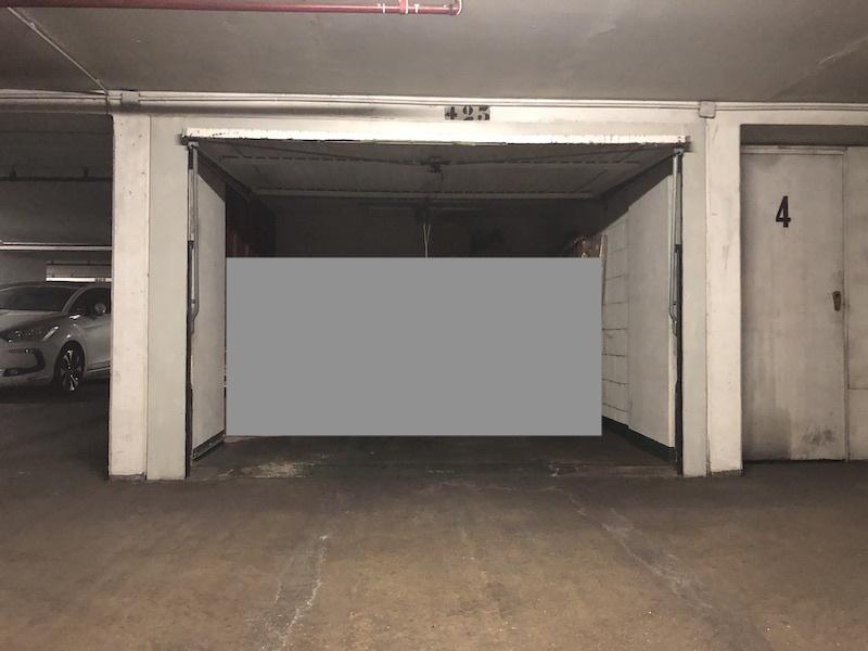 Box pour stockage rue de la Tour