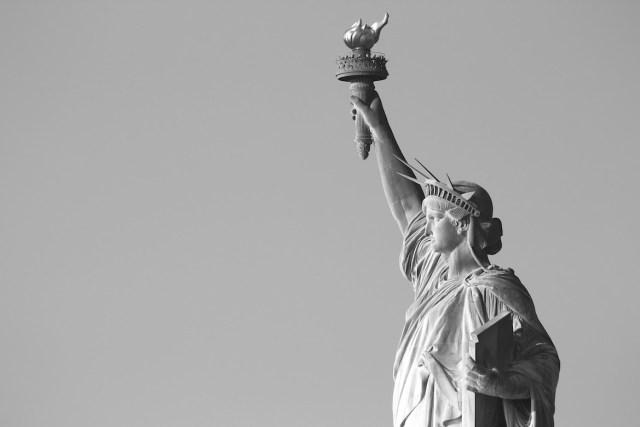 statue-of-liberty-bw