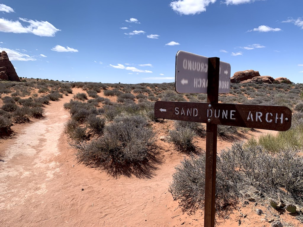Sand Dune Arch Sign