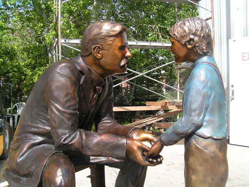 dr heath statue don buddy artist parker station parker colorado