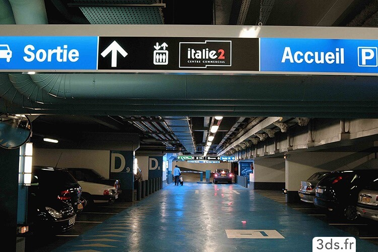 location parking centre commercial italie 2