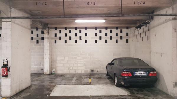 place parking 16eme
