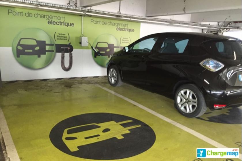 place parking voiture electrique paris