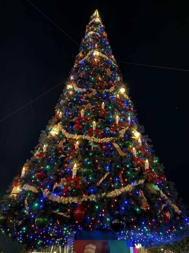 Mickey's Very Merry Christmas Party Tree