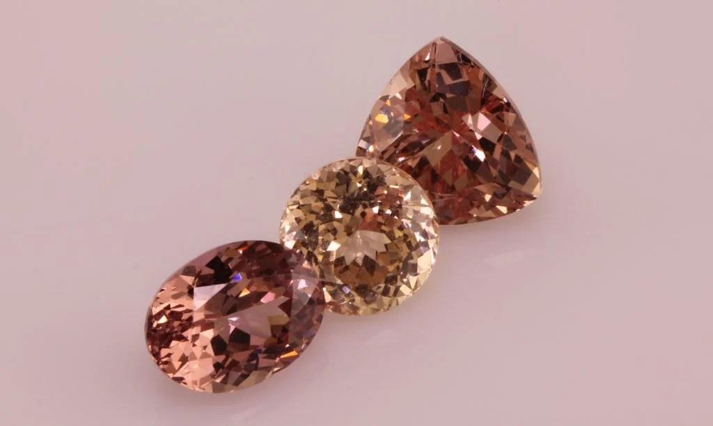 3 Lotus Garnet stones