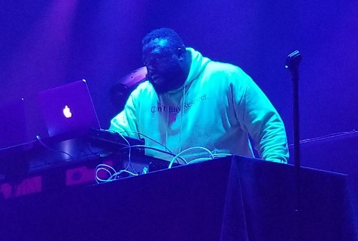 DJ Money - Wale Wow... That's Crazy Tour Pics