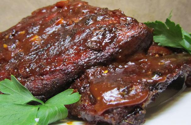 Costine-di-maiale-con-salsa-barbecue