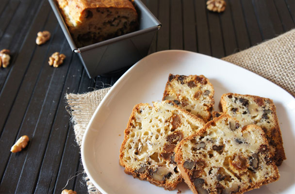 Cake-con-gorgonzola,-noci-e-uvetta-ricetta-parliamo-di-cucina