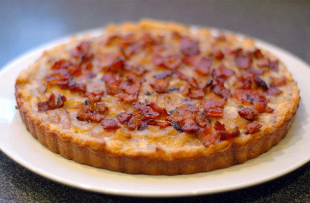 Torta-al-bacon-e-cipollotti-ricetta-parliamo-di-cucina
