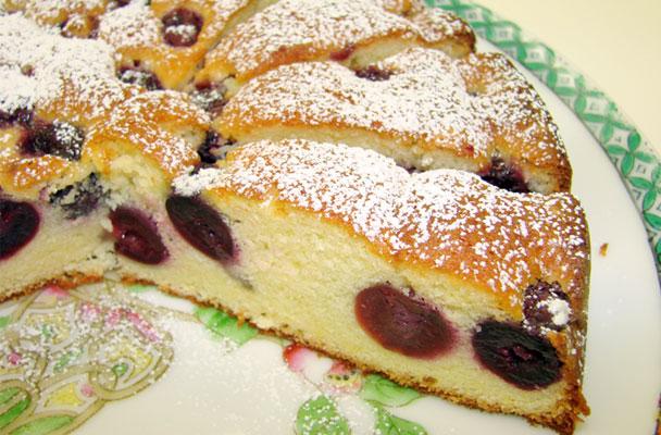 Torta-alle-ciliegie-ricetta-parliamo-di-cucina