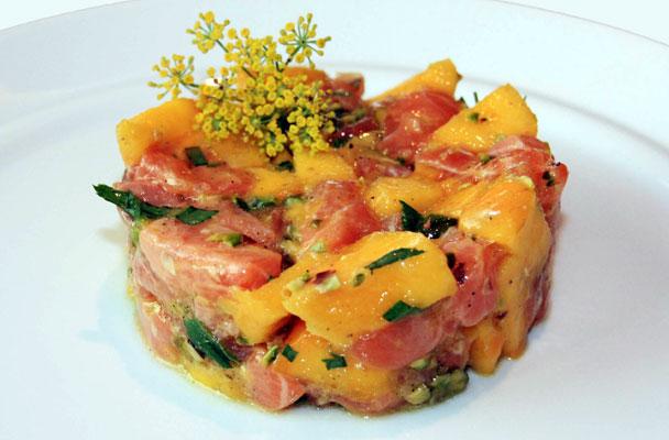 Tartare-di-salmone-e-mango-ricetta-parliamo-di-cucina