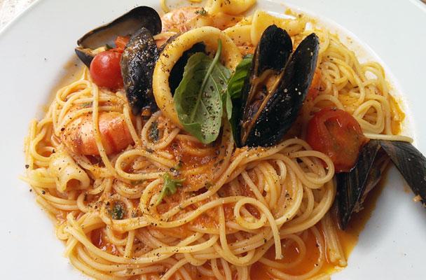 Spaghetti-allo-scoglio-ricetta-parliamo-di-cucina