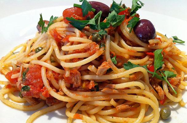 Spaghetti-al-tonno-ricetta-parliamo-di-cucina