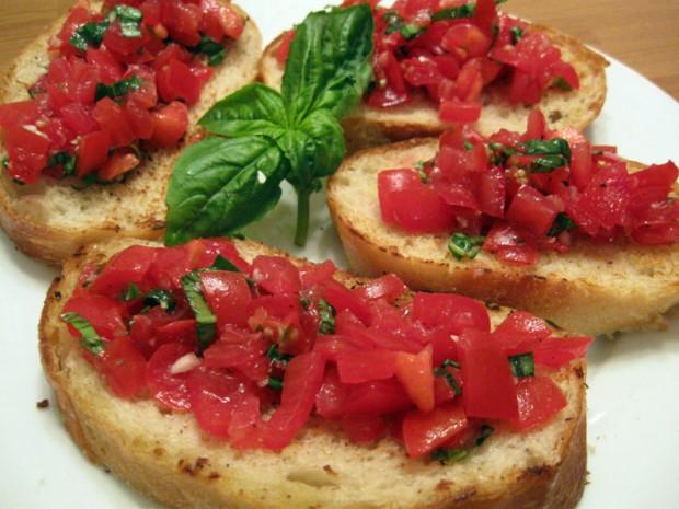Pane-e-pomodoro-parliamo-di-cucina