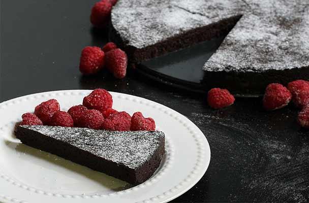 Torta fondente al cioccolato senza glutine