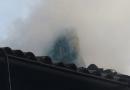 Tetto in fiamme a Riviano di Varano Melegari.