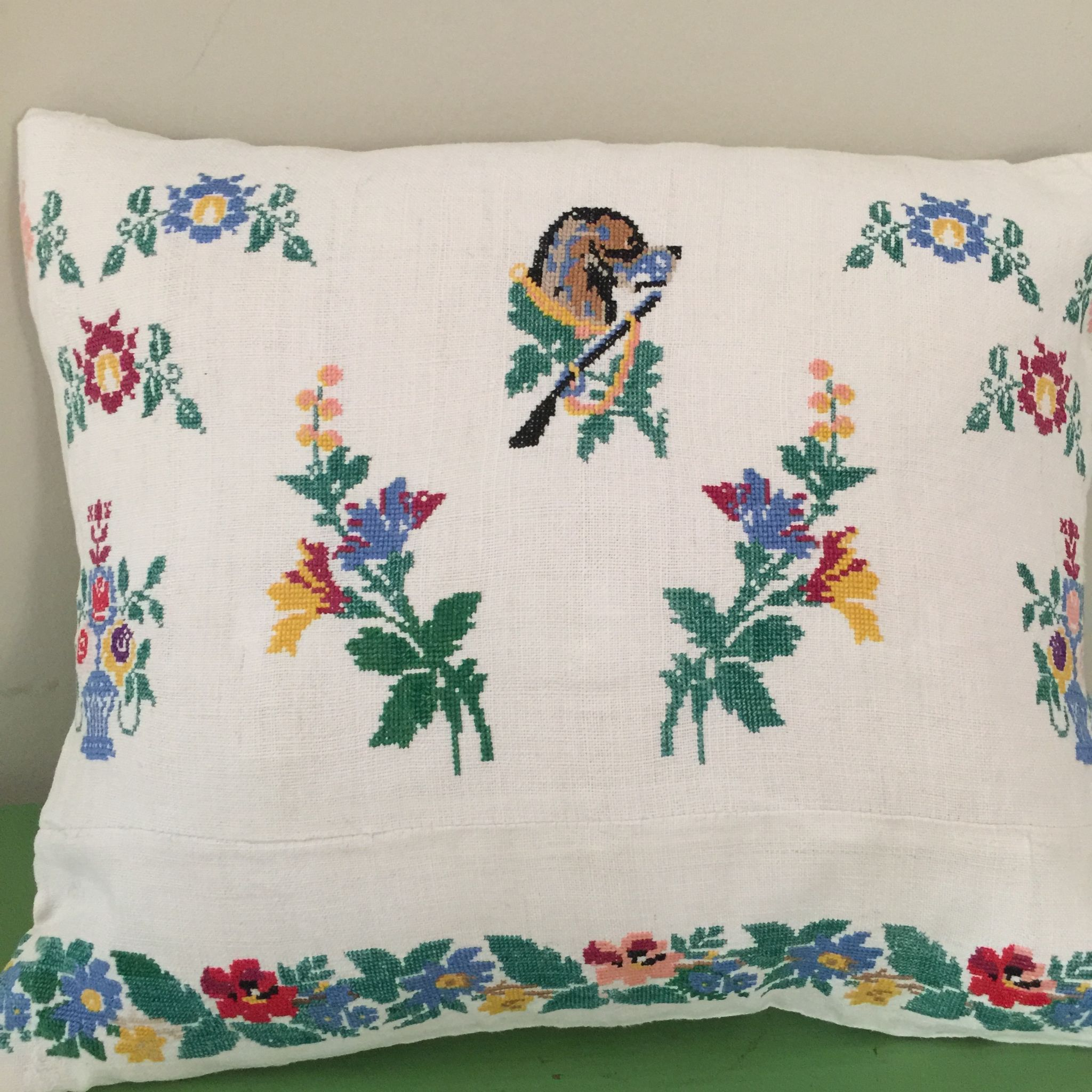 embroidered cushion cover dog and rifle