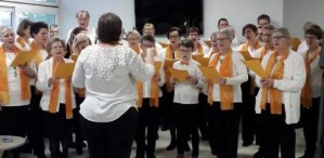 Les chorales de Wilwisheim-Hochfelden chantent à la maison de retraite