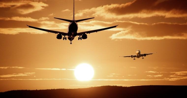 Memorie di una hostess: prendere l'aereo è un'impresa da eroi