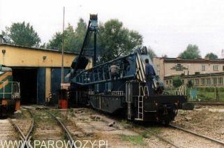 Przygotowanie do przenoszenia. 25.VIII. 2000. Fot.: Miłosz Mazurek.