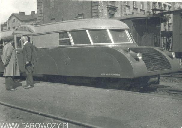Lux-torpeda, druga połowa lat 1930tych. Fot. ze zbiorów Skansenu.