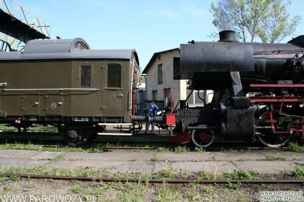 Ty2-911 + 4 wagony dwuosiowe. 28.05.2005. Fot.: Miłosz Mazurek.