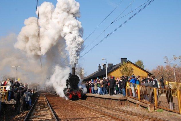 """""""Kolej na Wawer"""" - pociągi retro Warszawa Gdańska-Falenica @ Warszawa"""