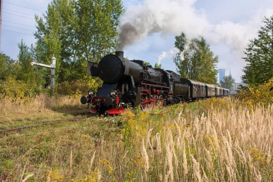Ty42-107 z rocznicowym pociągiem w Warszawie. Fot.: Janusz Walczyna