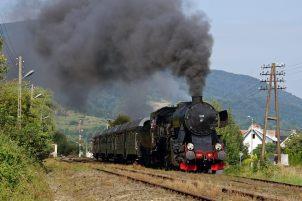 Ty42-107 z pociągiem Chabówka – Kasina Wielka. 18.08.2018. Fot.: Szymon Jurkowski.