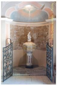 Chiesa di Viarolo - il fonte battesimale