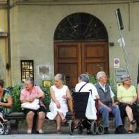 Il taglio delle pensioni di reversibilità è un nuovo attacco al matrimonio ed alle famiglie appena formate.