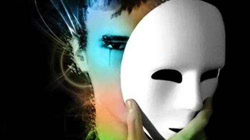 Levami quella maschera, voglio essere me stesso!