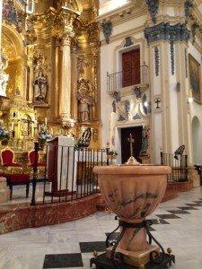 """Actual """"Pila Bautismal"""" (la antigua e histórica se conserva en la """"Capilla del Baptisterio""""). Iglesia parroquial de San Nicolás de Murcia. (Pulsando en la foto se puede ver ampliada)."""