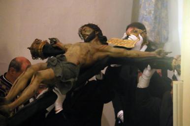 Descendimiento Stmo. Cristo del Amparo.(5-4-2017).009