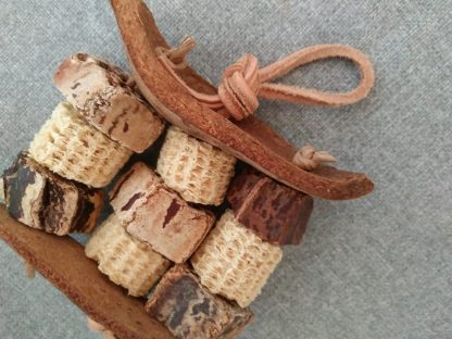 Natural toys for small birds