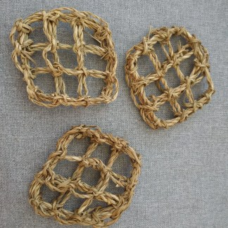 natural seagrass mats for parrot toys
