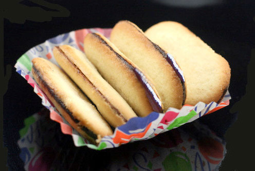 Homemade Milano Cookies - Easy, just as delicious, and preservative free!