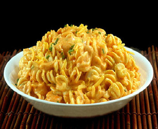 Extremely Creamy Sriracha Macaroni and Cheese