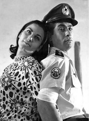 >Pouri Banaei & Behrouz Vossoughi on a film set - 1966