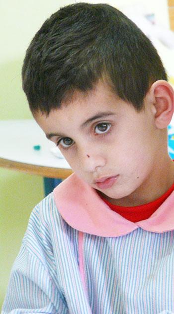Un jeune garçon libanais