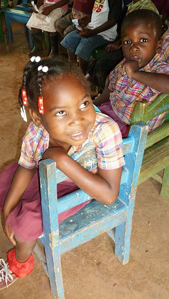 Petite écolière à Haïti