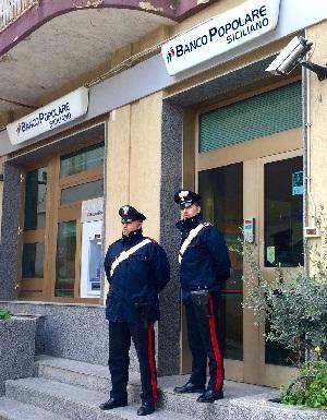carabinieri salemi rapina istituto di credito