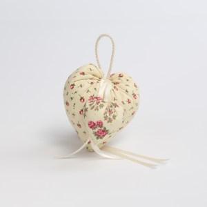 Cuscino cuore imbottito con tasca in cotone colore avorio con fiori (10 pz) STOCK-0