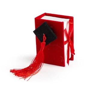 book laurea rosso con cappello nero